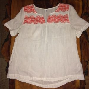 👚adorable semi sheer embroidered top👚